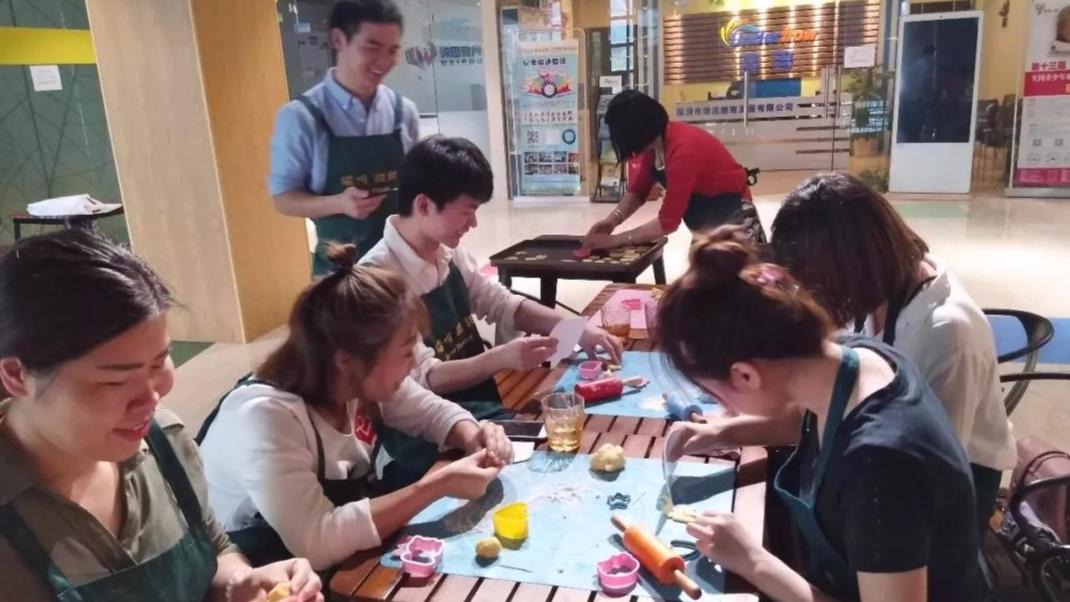 生活达人坊学做饼干:这些可爱美味的曲奇饼我们也能做!
