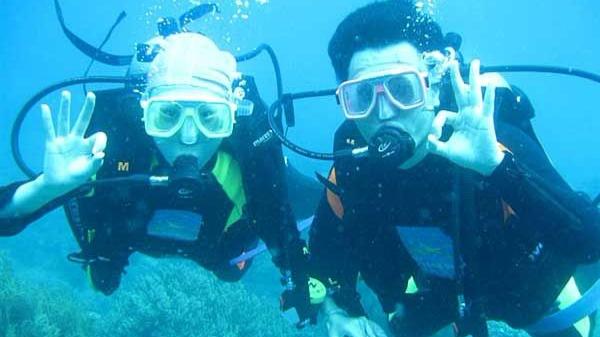 情人岛珊瑚潜水、带您走入海底世界、快艇冲浪、烧烤